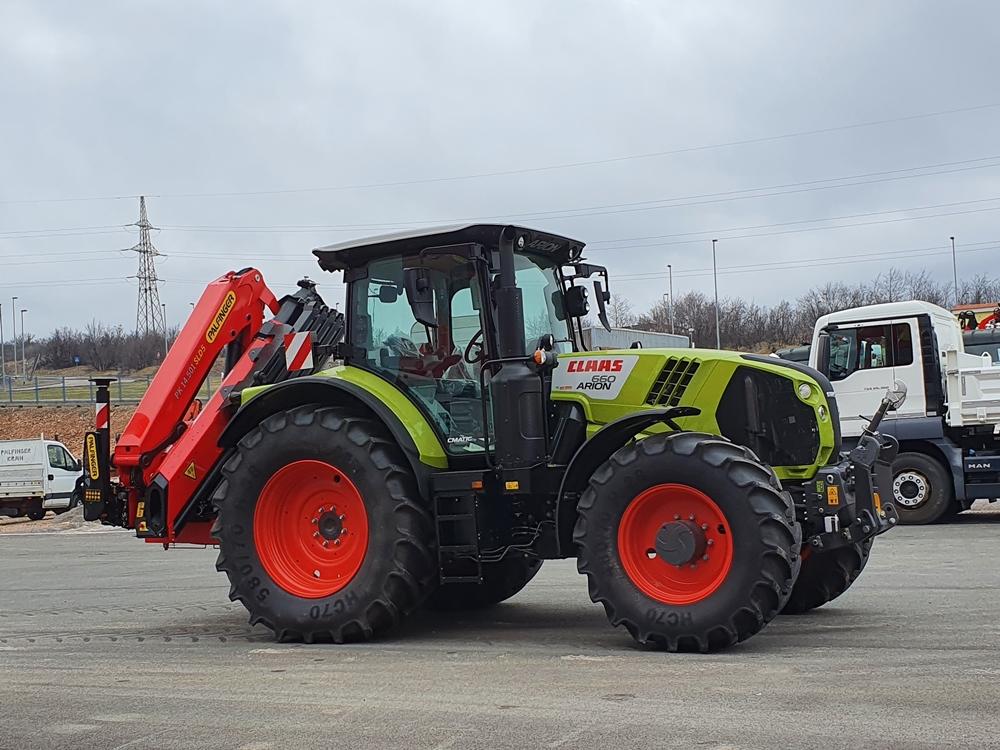 traktor sa dizalicom